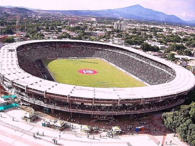 Hoy se cumplieron 5 años de ese memorable partido, que todavía es la mejor participación de un club colombiano, del 2007 a la fecha ninguno ha llegado hasta allá. Hoy que diferente es nuestra realidad..triste.