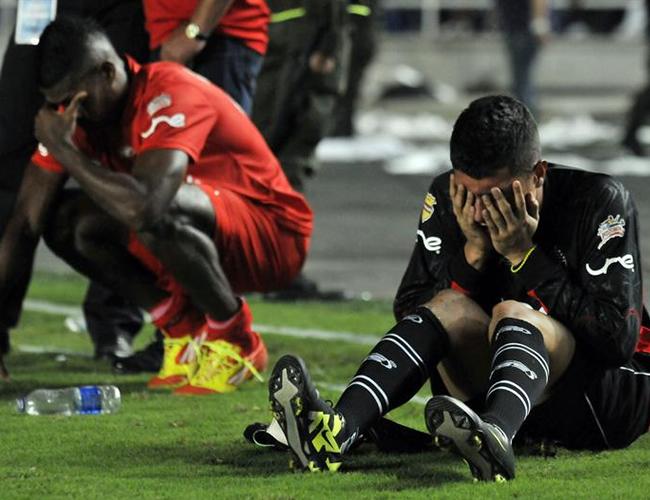 Ese día titulé: Los Errores se PAGAN, descendía River Plate, ahora en realidad no es mucho lo que hay por cambiarle a esa columna con respecto a la situación del Cúcuta Deportivo de hace 6 meses al de ahora. No queremos ver estas escenas pintadas de rojinegro en el 2012.