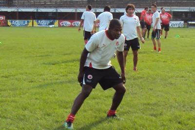 El defensa Caucano se unió a los trabajos que realiza el equipo motilón en esta primera etapa que se realiza en Cúcuta, se espera la llegada de otros jugadores en el transcurso de esta semana antes del viaje a Bogotá.