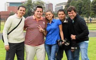 Palabras de agradecimiento total por el gran esfuerzo en el cubrimiento en Bogotá para Paola, Jhonsson, Leonardo, Johan y por supuesto para Jorge, quienes nos hacen sentir orgullosos de ser hinchas de este glorioso equipo.