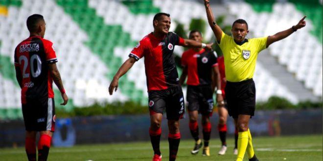 Más expulsiones y otra derrota contra Tolima